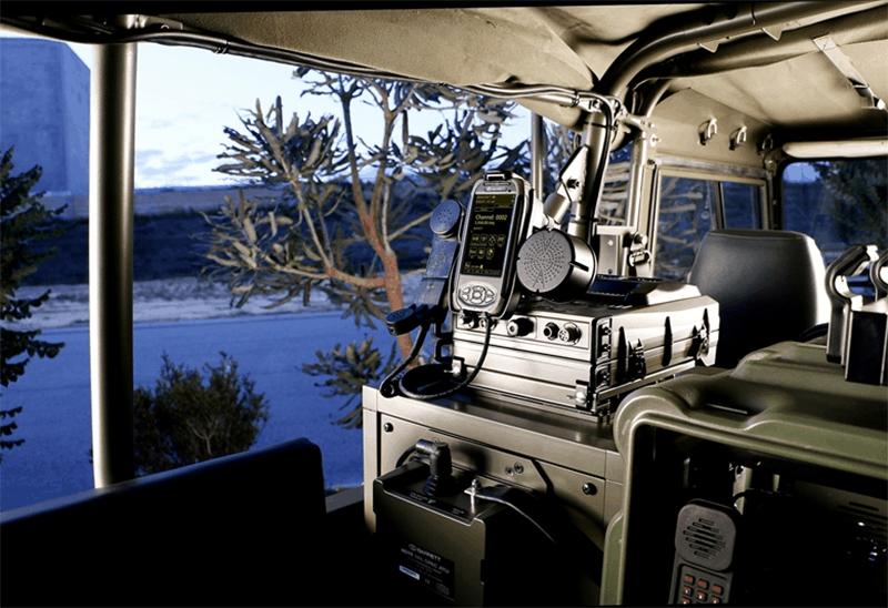 Barrett PRC-4090 SDR Military radio setup in Landrover