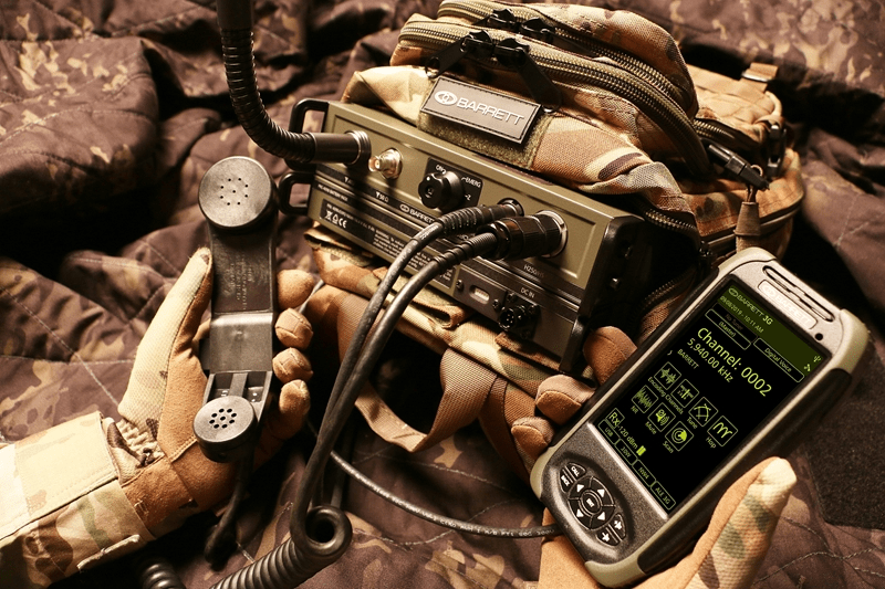 The PRC-4090 manpack comes with a mountable battery pack